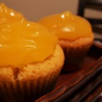 muffins with lemon curd topping